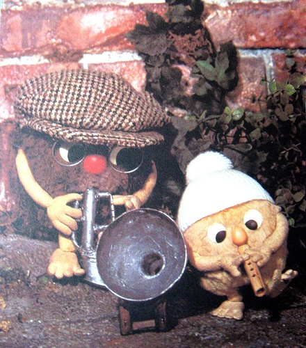 Remember the Flumps? this is Pootle on his pipe & Grandpa Flump on his flumpet jammin.