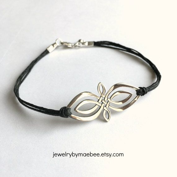 Who's making new things today? Here's my latest creation. #celtic #outlander www.jewelrybymaebee.etsy.com