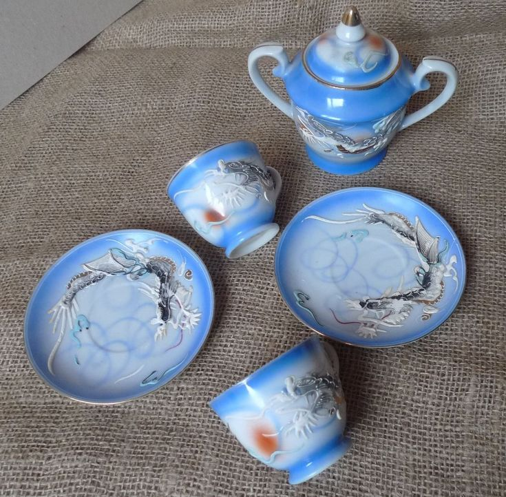 Old Japan Pottery Hand Decorated Quality Imports 2psc Cups Saucers Pot Dragon 3D