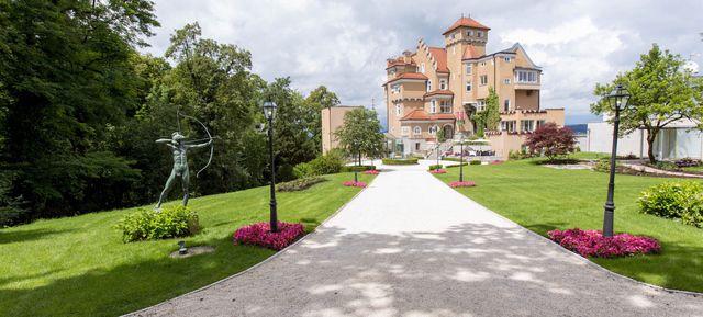 Hochzeitslocation Salzburg Schloss Moenchstein - Top Hochzeits-Location Österreich #hochzeit #feiern #location #event #einzigartig #weiß #schwarz #heirat #österreich #special #wedding #unique #stunning #garden #love #hochzeitsfeier #salzburg