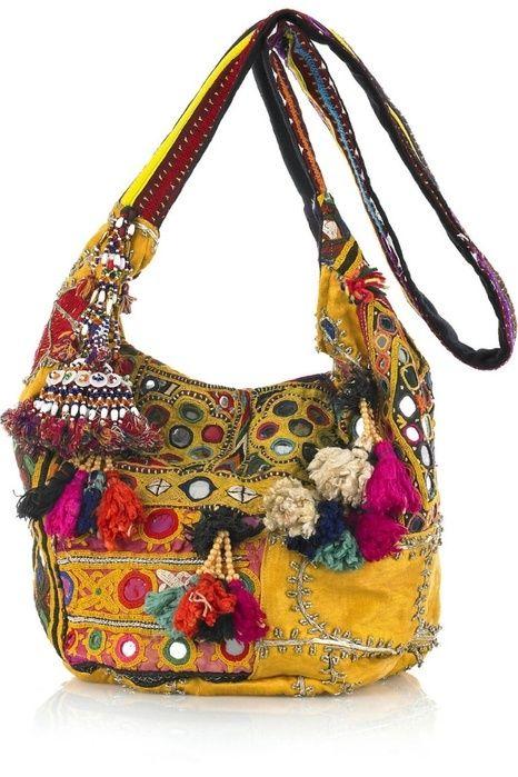 Bolsos hippies. La moda hippie chic en mochilas y carteras