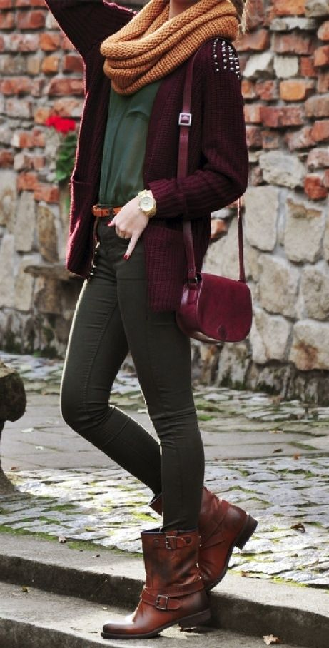 love fall layers.Colors Combos, Fashion, Fall Colors, Style, Clothing, Fall Winte, Fall Outfits, Dark Outfit, Brown Boots