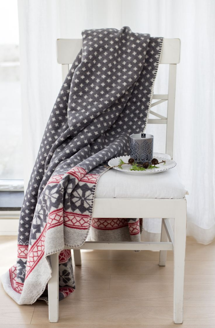 Nicolas, a soft and cozy cotton throw with a beautiful pattern.   #Himla_ab #christmas #Himlachristmas #himla #Nicolas #throw