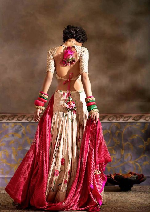 Simple Lehenga, Leheriya Dupatta, Deep Back Blouse, Big Pom Pom Tie Backs Outfit by:Gaurang