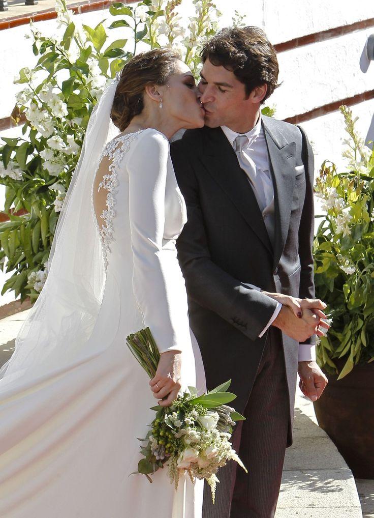 Eva González: su boda, y los detalles de su vestido de novia   TELVA
