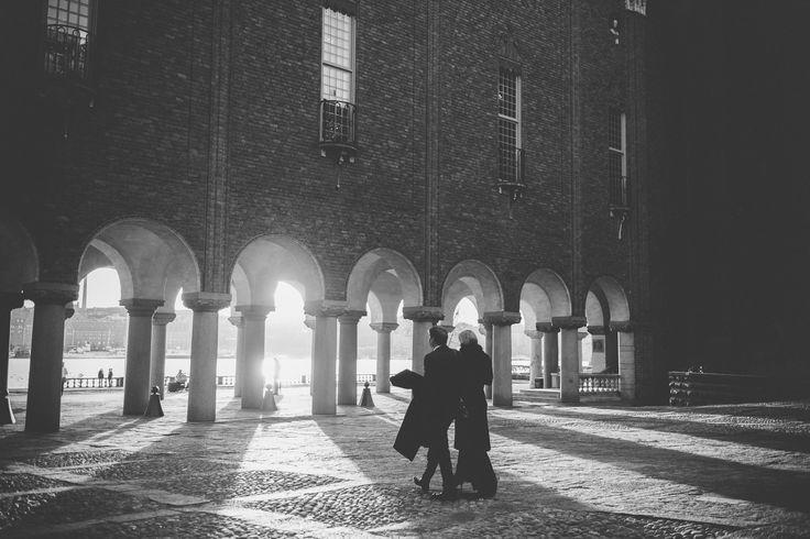 Alldeles snart börjar det där nya året med alla nya besök i Stockholms Stadshus! Vi är SÅ glada att så många av er vill ha med oss där och vi längtar efter alla era unika, fantastiska, busiga, familjära och ibland hemliga bröllop! Som bröllopsfotografer är vi lyckliga - som människor är vi stolta! Vi ses snart 2017!