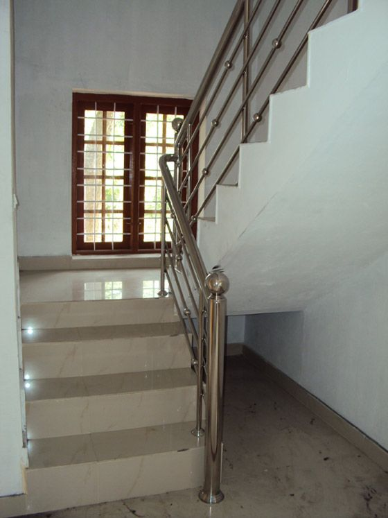 Vaastu Tips for Staircase Before choosing size of staircase or direction you should have a clear idea about placement of the stairs that confirms with Vaastu Shastra principles.  Direction for Staircase:   A staircase should always build in the west or south direction of the house. It should not be constructed in the Northeast corner that gives financial losses for the owner. In fact, the staircase constructed in any direction except west or south brings losses