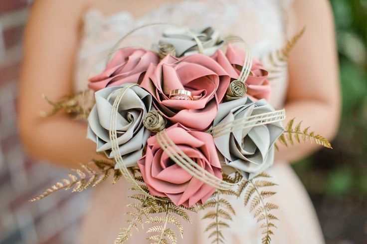 Brides seven flower posy with gold fern www.flaxation.co.nz