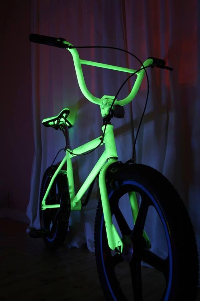 Светящийся велосипед. Светящаяся краска для металлических поверхностей Acmelight Metal ***** A glowing bicycle. Luminous paint for metal surfaces. #велосипед #светящаяся #краска #металл #glowing #bicycle #luminous #paint #metal