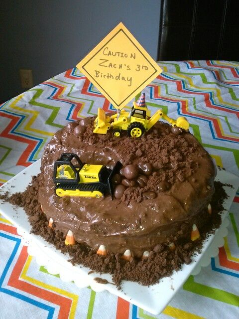 Boys, Cakes and Dirt cake on Pinterest