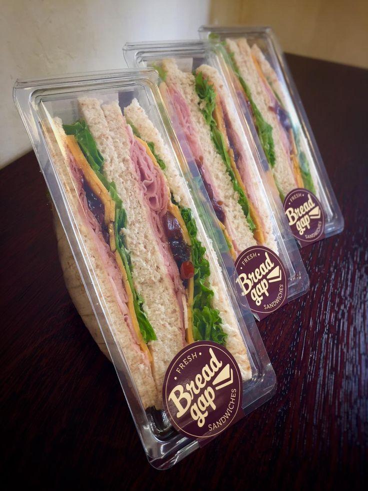 Co by to bylo za úterý bez řádné šunkové fotky? :) #ham #cheddar #branston #sandwich #tramezzini #food #breadgap