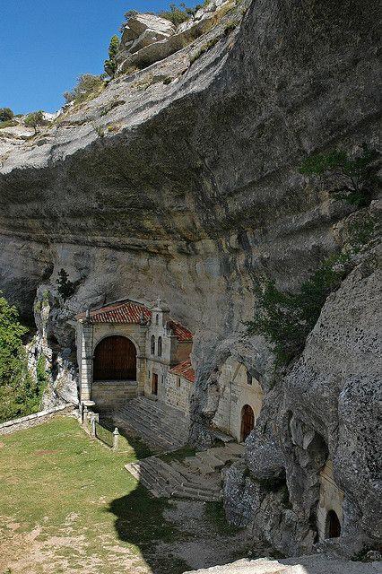 San Bernabe Monastery | Ojo Guareña: es un complejo kárstico situado en España, formado por más de 110 km de galerías