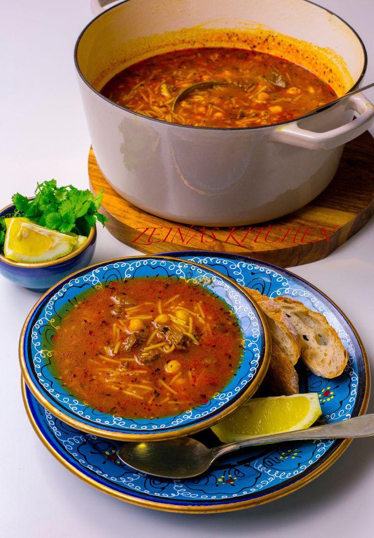 """""""Shorba libiya"""" är en av Libyens mest populära och omtyckta rätter. Inte så konstigt att den är så omtyckt, soppan smakar fantastiskt gott! Smakerna från alla kryddor, kikärtorna, köttet, citronen och myntan blir en alldeles utsökt kombination. RECEPT PÅ HARIRA (VEGANSK) HITTAR DU HÄR! 6 portioner 300 g benfri grytkött (gärna lammkött, jag använder högrev) 300 g kokta kikärtor 1 gul lök 3 st vitlöksklyftor 3-4 msk tomatpuré 2 dl risoni eller vermicelli Olja till stekning Saften från 1…"""