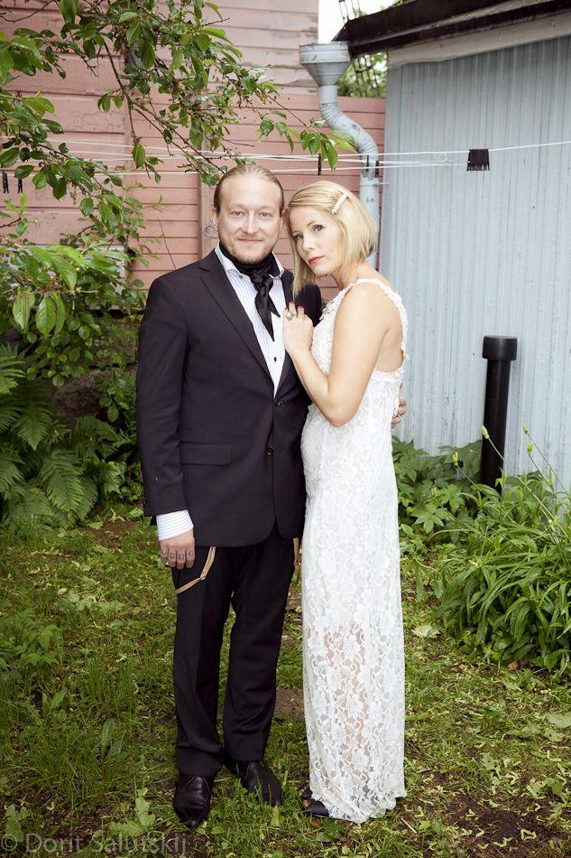 Groom wearing silk scarf 'Jack' | gTIE Neckwear & Accessories | for those who love dresses, photo: Dorit Salutskij