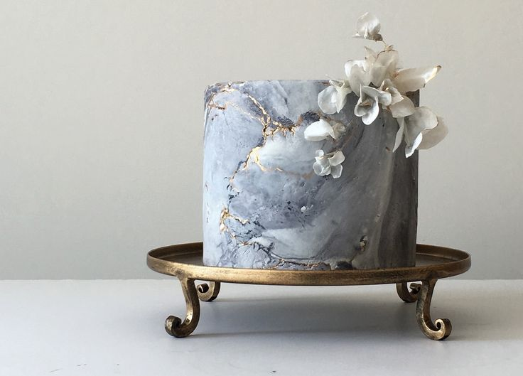 Wedding cakes inspired by eroded Textures / Jasmine Rae Cakes