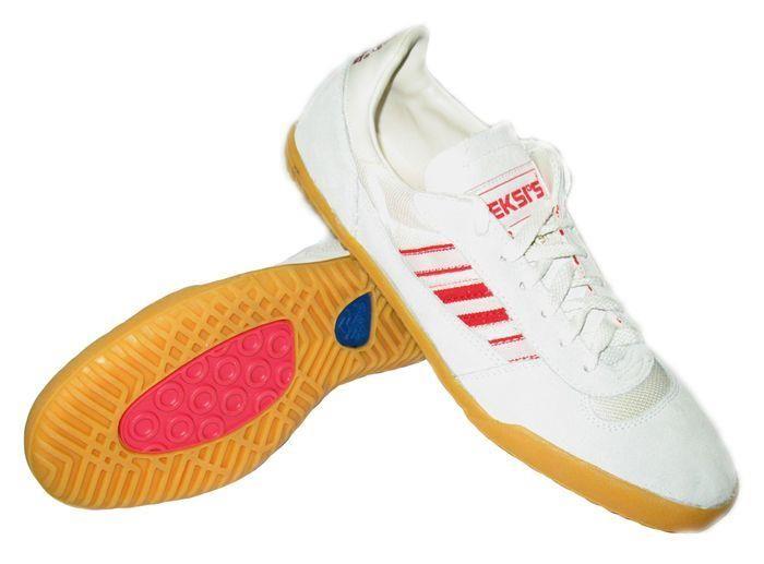 Кроссовки для футбола eksis