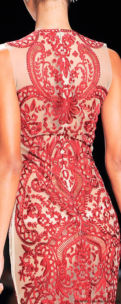 Naeem Khan, Spring 2014. fabsugar.com http://www.fabsugar.com/Fashion-Week-Detail-Pictures-Spring-2014-31830091?fullscreen=true&slide=80&image_nid=31830136