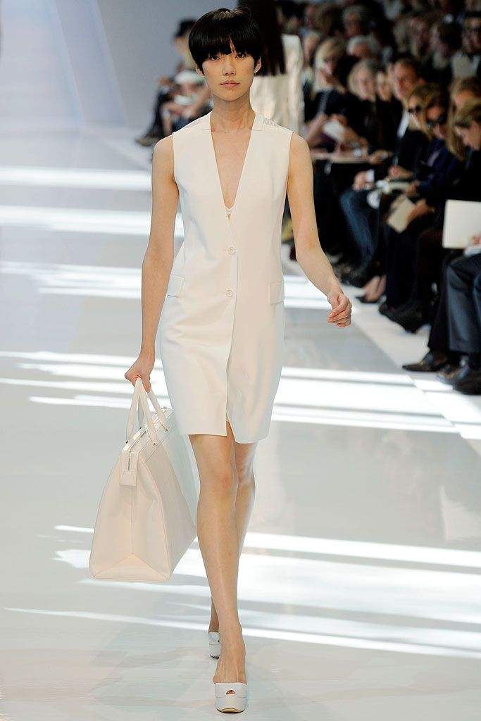 Akris | Spring 2010 Ready-to-Wear Collection | Tao Okamoto Modeling | Style.com