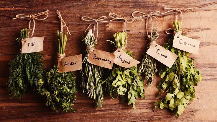 Falamos há um tempo que para fazer feitiços e rituais é necessário algumas vezes certas ervas, pedras, aromas, símbolos, etc… os tais ingredientes. Como sabemos, cada ingrediente tem uma prop…