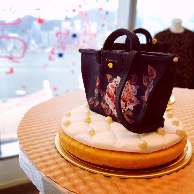 See who're invited today!! Be an honor to be part of #Longchamp #FW14 press day~ Show you my favourite part first lol
