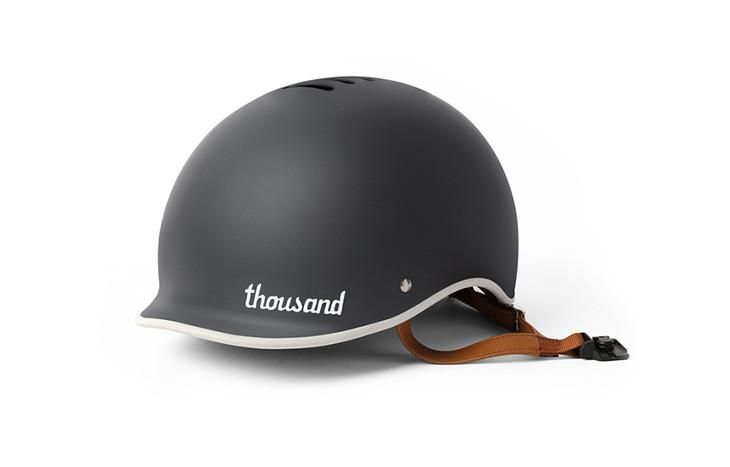 Vintage moto meets modern minimal  Lightweight helmet at 410g (S), 450g (M) or 490g (L). Built to meet CPSC and EN1078 standards. Includes 2sets of interior padding for a custom fit. If between sizes, we recommend the smaller size. See what sets us apart: Our Secret Poplock