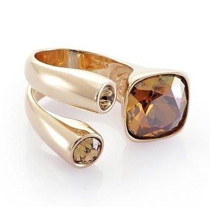 http://www.miahera.com/natales-sari-swarovski-yuzuk  Natales Topaz #yüzük #ring #gold #silver #swarovski #sparkling #champagne #elegent #minimal #design #jewelry