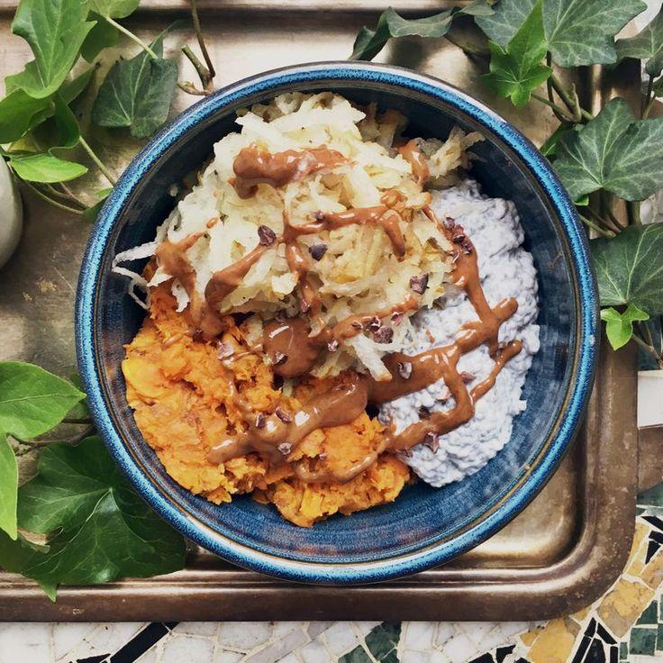 Sweet potatos mash, chiapudding, grated pear and almond butter // Sötpotatismos med chiapudding, rivet päron och mandelsmör