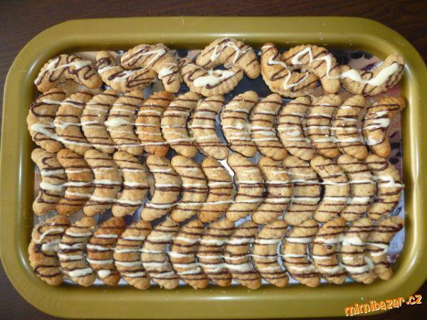 Ořechové rohlíčky s ořechovou náplní