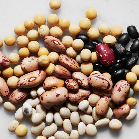 Bönor och ärter är framtidens mat - bra för såväl hälsa som plånboken och miljön. I vår guide om bönor och ärter får du fakta, tips och recept.