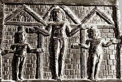 Santa Sabina, Roma, Le porte, uno dei rarissimi esemplari di scultura lignea paleocristiana conservata; è la più antica raffigurazione della Crocifissione che si conosca, 432