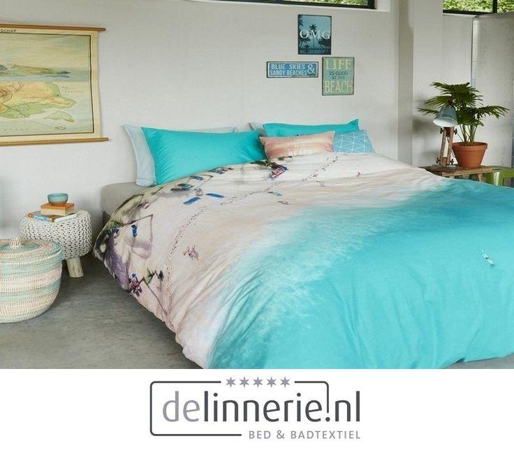 Zou jij ook zo graag een dagje op het strand willen liggen? Dat kan nu met het dekbedovertrek Beach Day. Je hoeft er niet eens meer je bed voor uit. Dit tropische witte strand met een azuurblauwe zee brengt de zomer naar je slaapkamer. Dekbedovertrek Beach Day is gemaakt van 100% katoen. De aqua blauwe kleur heeft de overhand in dit dessin. #delinnerie #beddengoed #bedroom