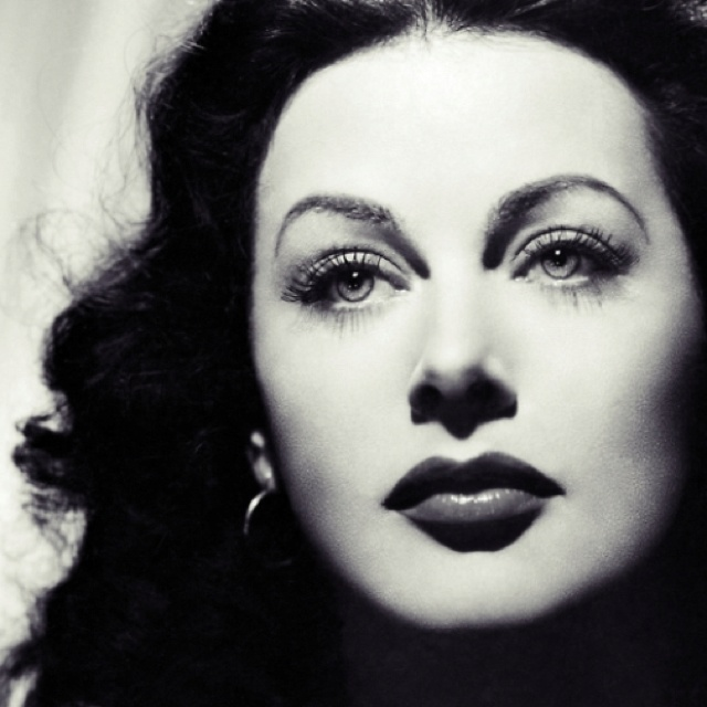 The stunning Heddy Lamar: Co-Inventor of the technology for today's cellphones, Wi-Fi and GPS by helping to build a smarter torpedo for the U.S.Navy. Far from another very pretty face!