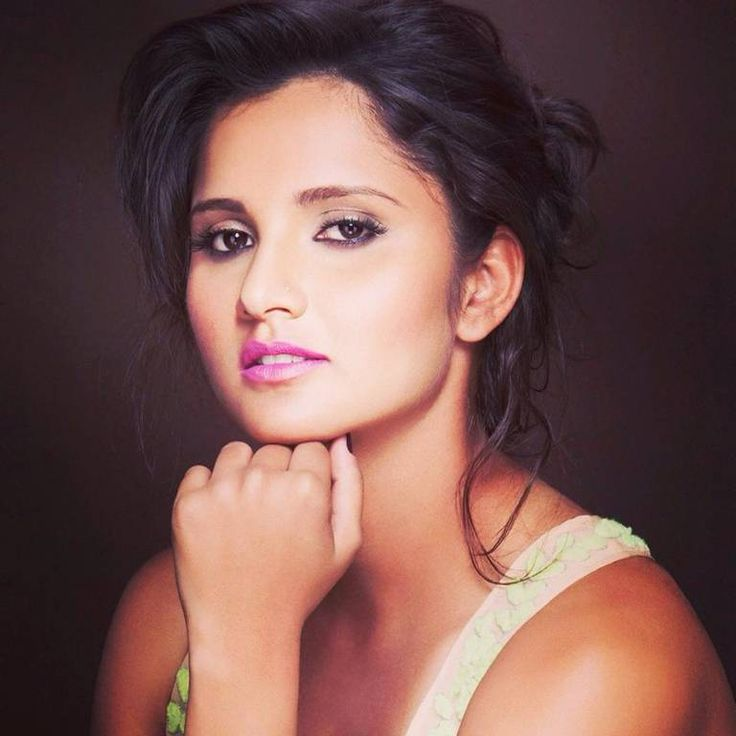 Well, if you are thinking that Sania Mirza and Shoaib Malik are involved in a typical husband – wife fight here in this video, then you are wrong.