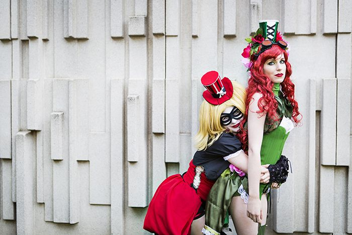 Harley and Ivy <3 | The Geekettes cosplay NoFlutter's steampunk design in a photoshoot by Angela Lau Design and Photography. #cosplay #harleyquinn #poisonivy #batman #thegeekettes #geekettes