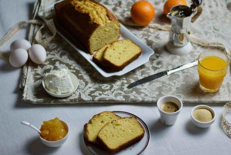 Comfort food per iniziare bene la giornata! Iniziare bene la giornata fin dalla colazione è la chiave per essere sereni per tutto il giorno! E cosa c'è di meglio che un'ottima torta fatta in casa? La ricetta in questione è un plumcake, uno dei dolci più amati sia dai grandi che dai bambini. Perchè comprarne uno industriale quando è semplicis #ricette #dolci #colazione