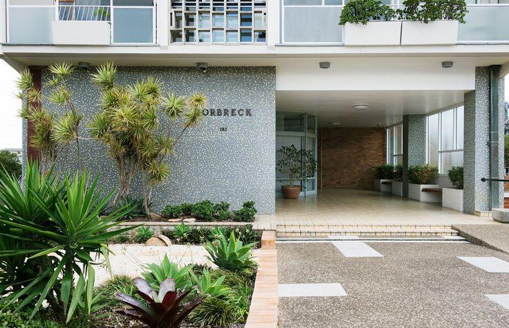 Entrance to Torbreck, Brisbane | via thedesignfiles.net