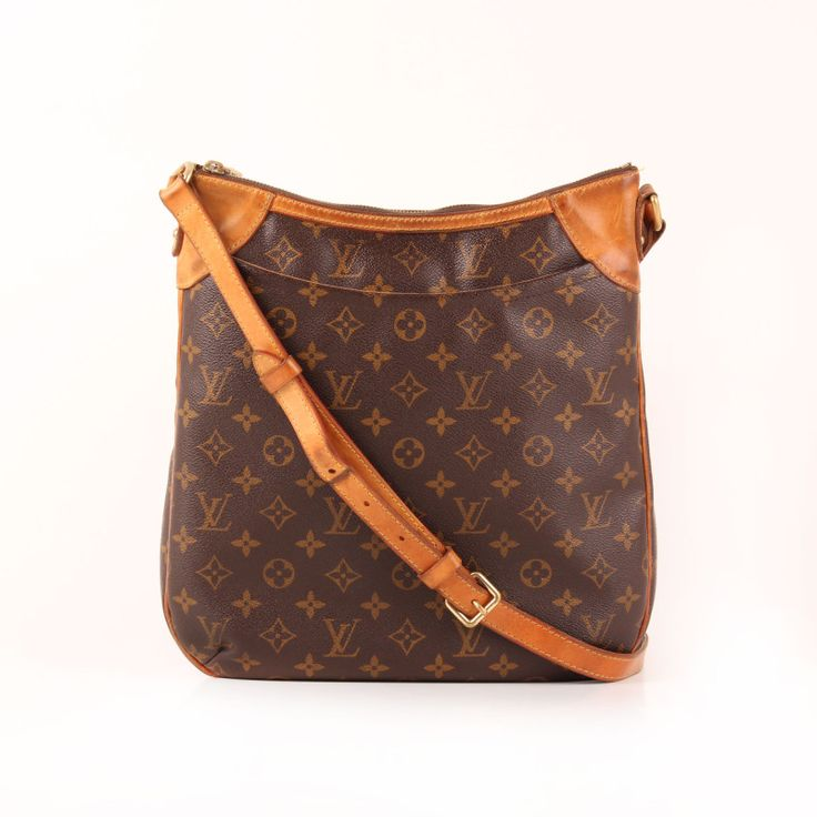 Louis Vuitton Odéon MM Monogram Messenger Bag.