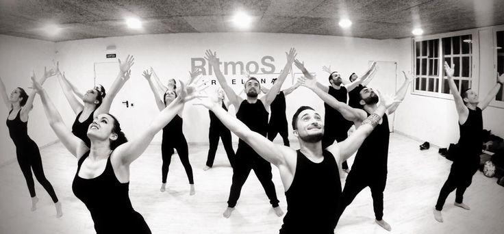 COMENZAMOS!!! Compañía de Ritmos Barcelona by Sònia y Kevin!   #ritmosbarcelona@ritmosbarcelona #timba #salsa #barcelona #baila #salsacubana #salsapasos #clasessalsa #salsalessons #salsaschool #salsadancing #son #cuba #rumbacubana #salsacongress #congresosalsa #nimes #francia #crack #timbacubana #show #miami #paris #italia #cuba #dancehall #hiphop #twerking