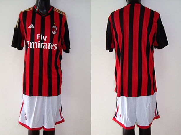 $25 for 2013-2014 AC Milan Home Soccer Jersey. Buy Now! http://hellodealpretty.com/13-14-AC-Milan-home-soccer-jersey-productview-159626.html #Milan #soccer #jersey