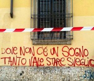 Star Walls - Scritte sui muri. — Cit. Dsa Commando