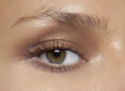 A bronzed smokey eye with minimal mascara is a gorgeous look for fall.
