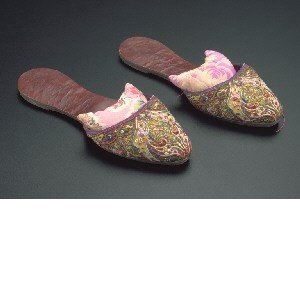 Peranakan wedding slippers, early 20th century, Straits Settlements (Malaysia/Singapore)