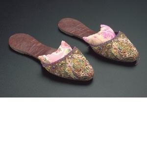 Peranakan wedding slippers, early 20th century, Straits Settlements (Malaysia/Singapore)