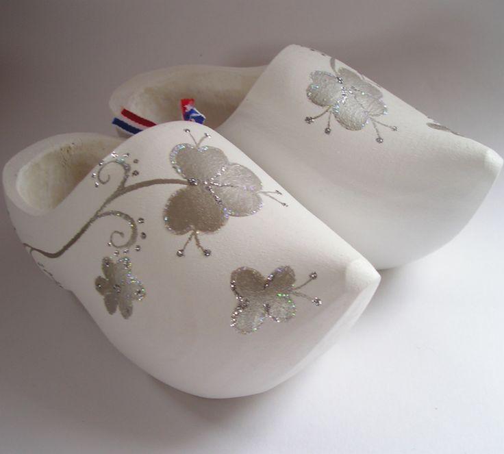 Witte Bruids klompjes.