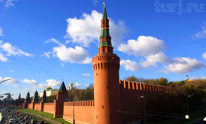 """In 1487 the tower is being built to the left of Tainitski Annunciation, which was named in honor of the """"Annunciation"""". During the reign of Ivan the Terrible tower served as a prison. On the other hand Tainitski First Nameless Tower under construction or Powder: it was arranged powder magazine. In 1547, during the famous fire of Moscow - the tower exploded and then rebuilt many times. Constructed east of the Powder Second Nameless Tower."""