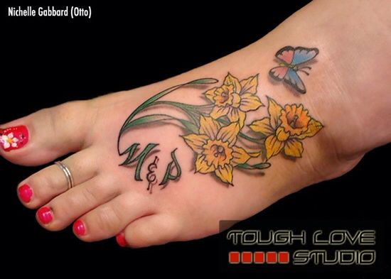 Daffodil | March Birth Flower | Tattoo Ideas - Lilly | May Birth Flower | Tattoo Ideas - body placement, detail, color, design, love how then stem comes down to make the initials at the bottom!