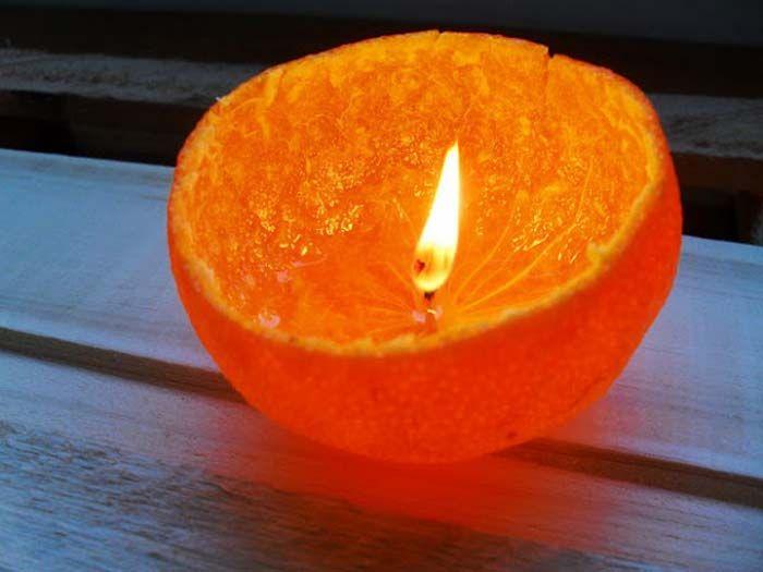 <p>Transformar a casca da laranja em vela é uma opção de artesanato sustentável. Material necessário: – Laranja – Óleo de cozinha – Faca – Tesoura – Isqueiro Como fazer: O primeiro passo é cortar a laranja, que será a base para a vela. A indicação é que ela seja cortada …</p>