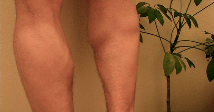 Como diminuir o tamanho de minhas panturrilhas?. A panturrilha é constituída pelos músculos sóleo e gastrocnêmio que se localizam na parte inferior atrás da perna. A panturrilha pode se tornar muito grande devido ao excesso de treinamentos físicos, pré-disposição genética ou gordura localizada. Existem vários métodos que podem ser empregados por você mesmo sem gastar dinheiro ou com a ajuda de ...