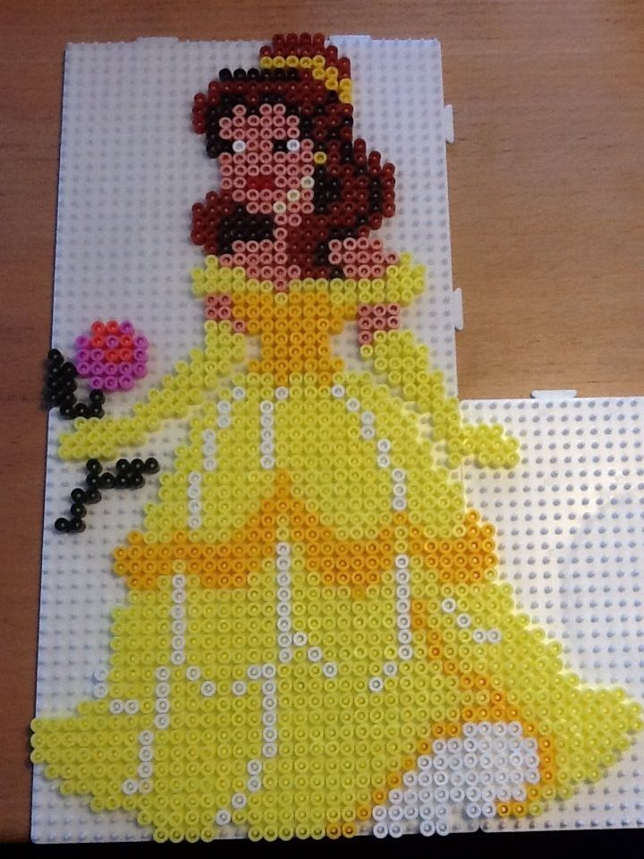 Hama perler Belle Disney by ilhja