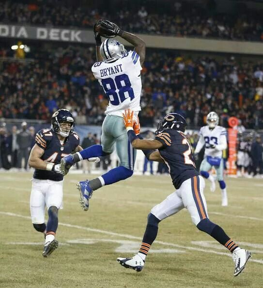 Dez doing what Dez does best! Cowboys vs Bears December 4, 2014